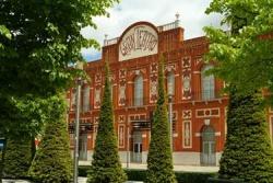Imagen: fachada del Gran Teatro de Manzanares