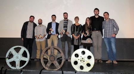 Autoridades, organizadores y premiados en la clausura del IV ManzanaREC