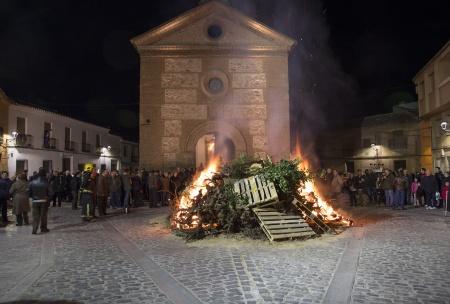 Hoguera de San Antón en pasadas ediciones