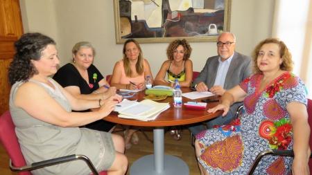 Participantes en la comisión ejecutiva del Consejo de la Mujer de Manzanares