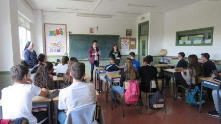 Presentación del carné VIP en el colegio San José