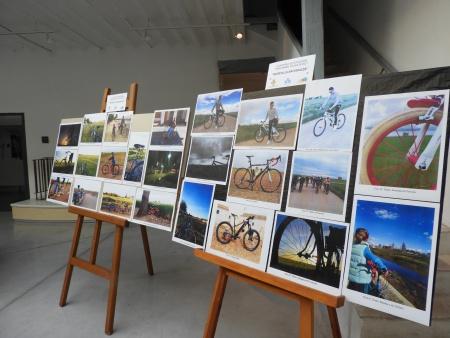 Exposición de fotos participantes en la primera edición
