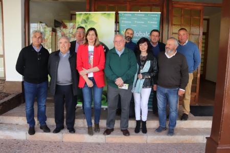 Miembros de la Interprofesional del Melón y Sandía con la concejala de Agricultura de Manzanares