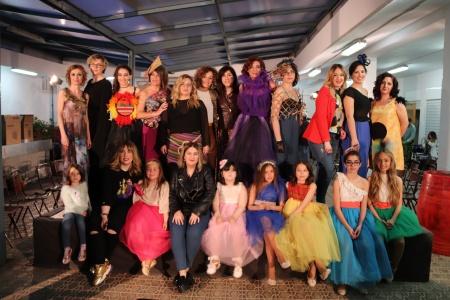 Desfile de moda y complementos 'Despertando emociones'