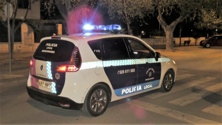Vehículo patrulla de la Policía Local de Manzanares