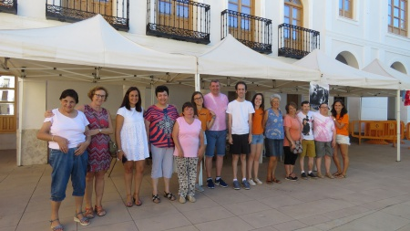 Mercadillo solidario en beneficio de Carea