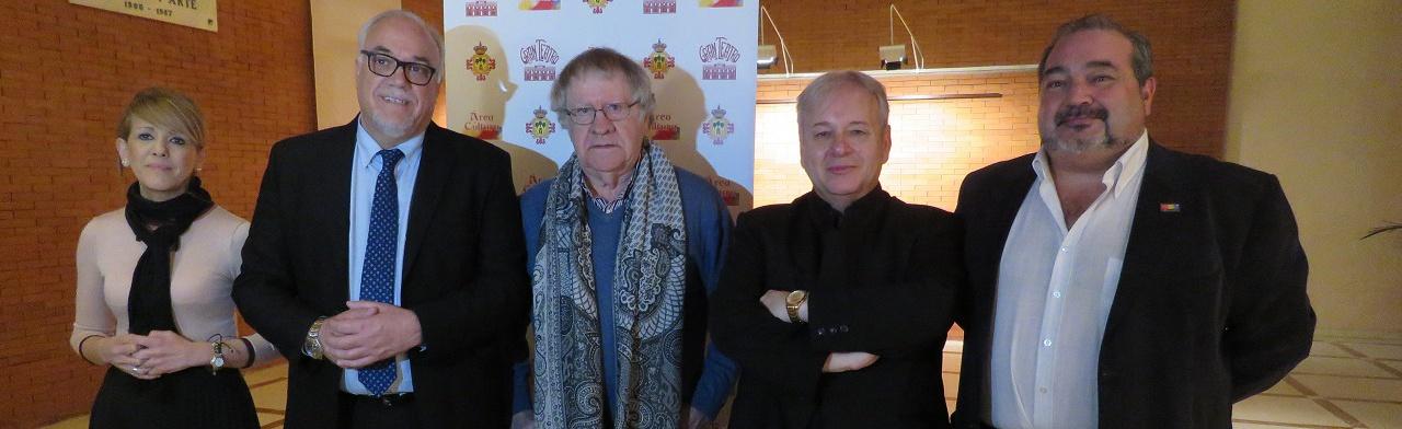 Autoridades y protagonistas del recital 'Cómo canta un poeta'