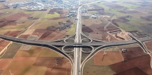 El polígono de Manzanares está junto al cruce de las autovías A4 y A43