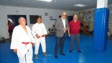 Los maestros Cañizares y Paqui Moreno junto al alcalde y a Pedro Callejas
