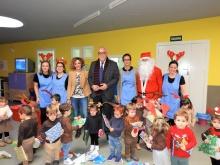 Foto de grupo en el Centro de Atención a la Infancia
