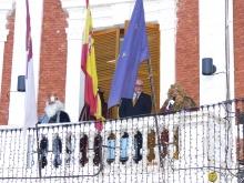 Saludo desde el balcón del Ayuntamiento el 5 de enero de 2017. Foto: J.A. Romero