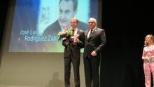 Nieva entregó el Premio Igualdad a Zapatero