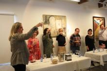 Se indicó a los participantes cómo valorar las características y matices del vino