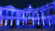 El Ayuntamiento se ilumina de azul los días 1 y 2