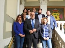 El Equipo de Gobierno viste de azul en el Día Mundial de Concienciación del Autismo