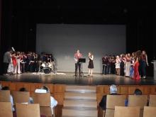 Los chicos y chicas del centro prepararon actuaciones y vídeos para su graduación
