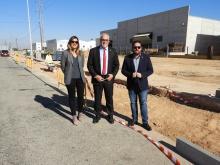 Julián Nieva visita el proyecto de aparcamientos del vial del polígono