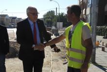 El primer edil saluda al personal del plan de empleo y atiende sus demandas