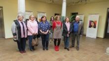Integrantes del Consejo Local de la Mujer y asistentes a la exposición