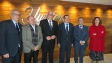 Nieva y Planas con miembros del consejo rector y con la subdelegada del Gobierno
