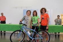Ganadora del sorteo de la bicicleta