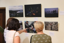 Inauguración de la exposición '#SinFiltros: Miradas al éxodo que Europa no quiere ver'
