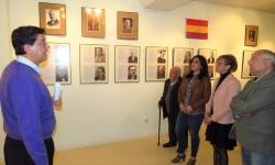 Inauguración de la exposición fotográfica documentada sobre alcaldes de Manzanares