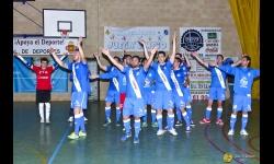Celebración de la victoria conseguida ante el Denia. Foto: José A. Romero