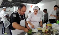 Jornada de convivencia entre grupo GAM y alumnado del curso de cocina de EOI