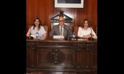Julián Nieva junto a Beatriz Labián e Isabel Díaz-Benito