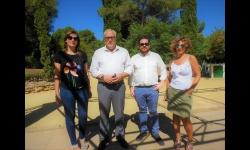 Julián Nieva, alcalde de Manzanares, junto a miembros del equipo de gobierno en la visita a las obras que se realizan en la localidad