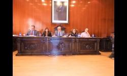Julián Nieva, alcalde, junto a Beatriz Labián, portavoz del equipo de gobierno e Isabel Díaz-Benito, concejala de obras, en el pleno de septiembre