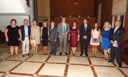 Miembros de la Corporación Municipal y de la Hermandad de Jesús del Perdón, junto a la pregonera y el nuevo Hermano Mayor Honorario