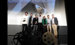 Silvia Cebrián junto a los galardonados y directores del festival