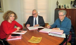 Firma del convenio entre el Ayuntamiento y la Escuela de Ciudadanos