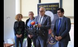 El alcalde pone en valor el esfuerzo empresarial de Artesanos Queseros Manchegos