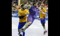 Pedro Fuentes en una jugada con el BM Guadalajara