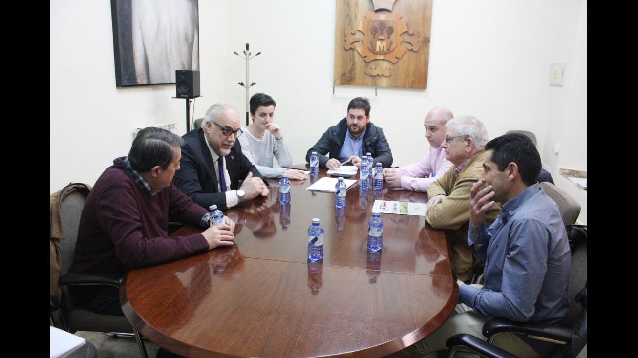 Reunión de trabajo en el Ayuntamiento de Manzanares