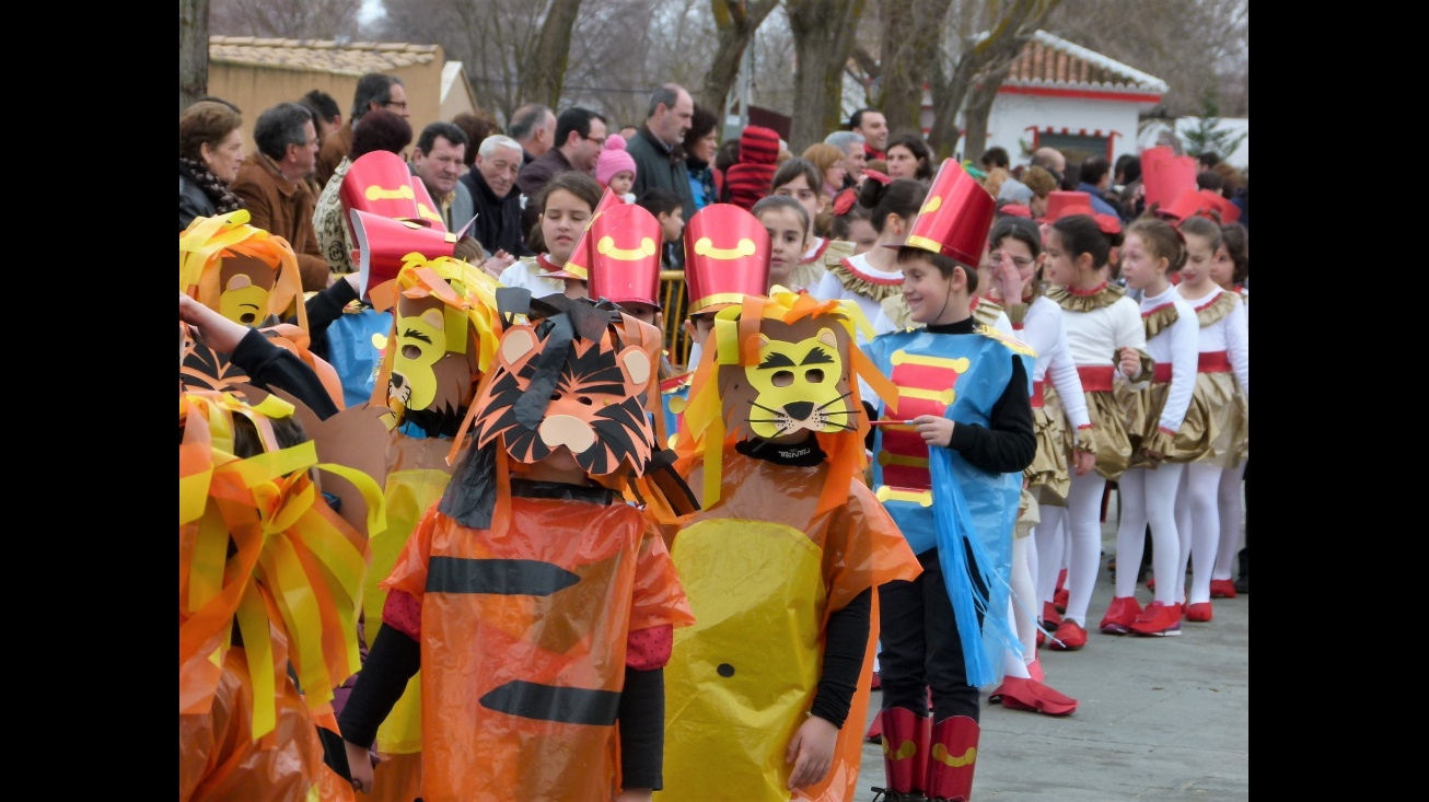 Concurso infantil de disfraces en los Paseos del Río. Archivo