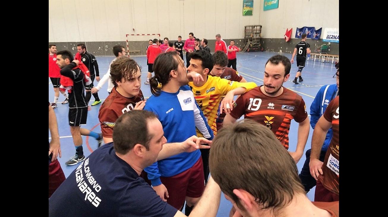 Los jugadores del Manzanares lamentan la oportunidad perdida en Almería