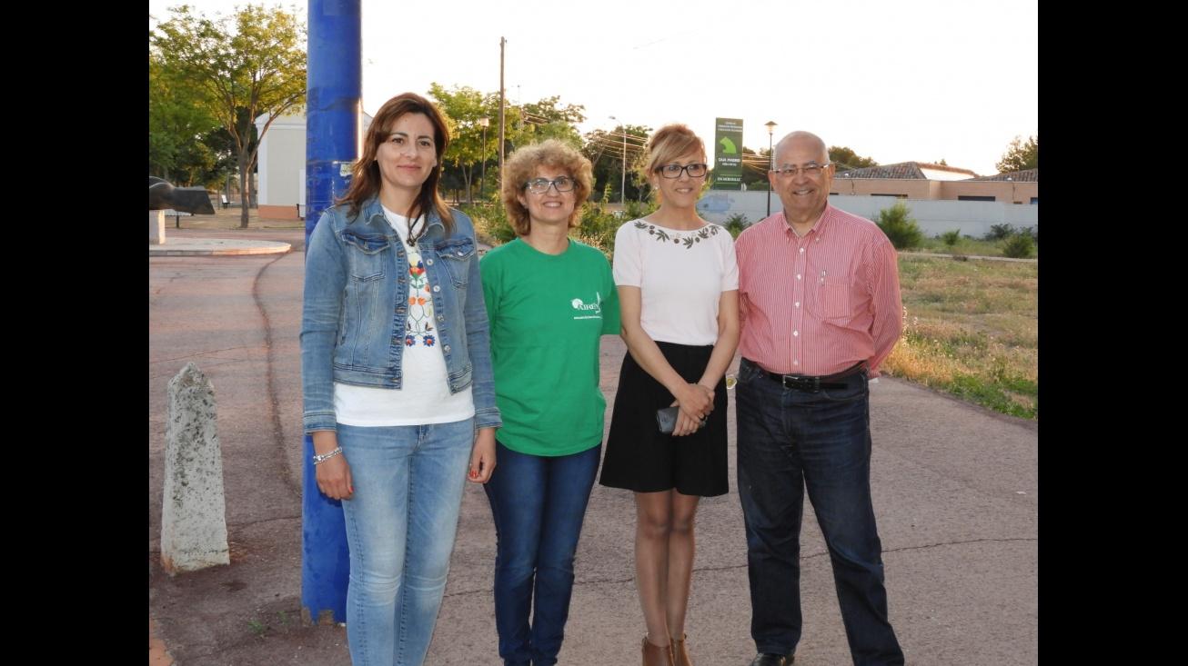 Cebrián y Díaz-Benito junto a representantes de las Asociaciones Airén y Zaque