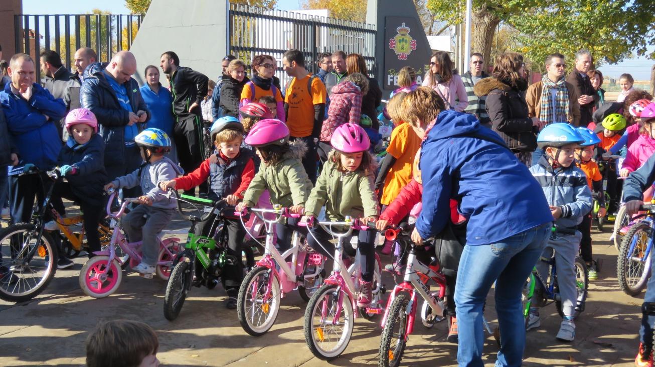 Los más pequeños en la celebración del Día de la Bicicleta el año pasado