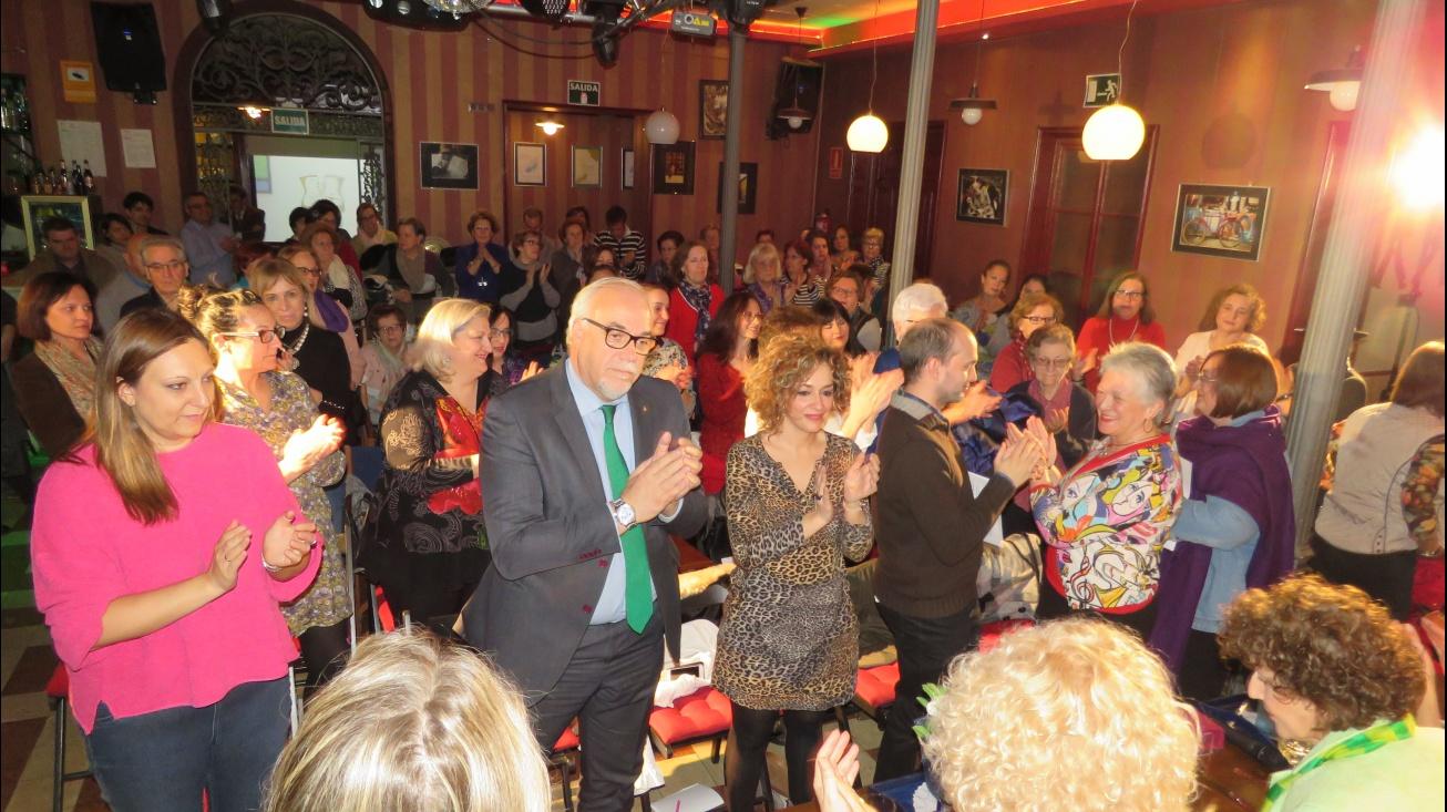 El alcalde y Beatriz Labián durante el acto celebrado en La Bota de Oro