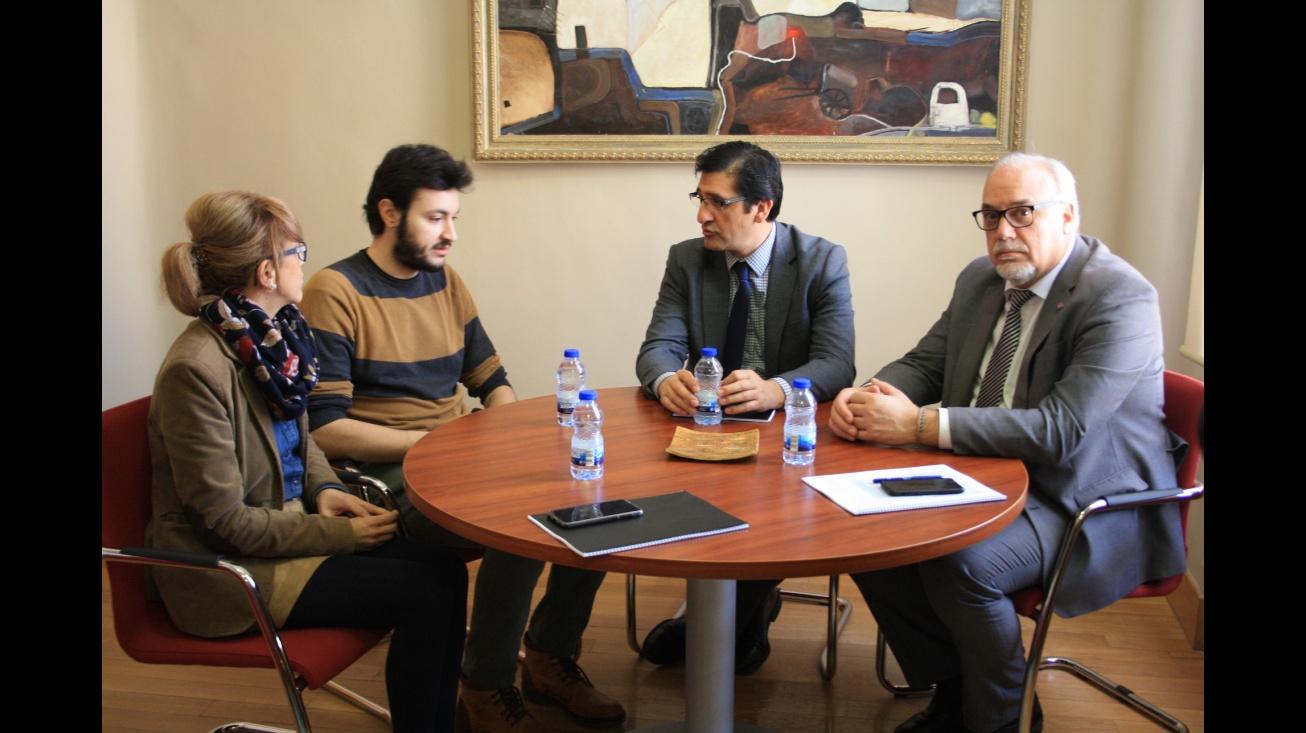 Reunión entre los representantes de las Administraciones y ManzanaREC