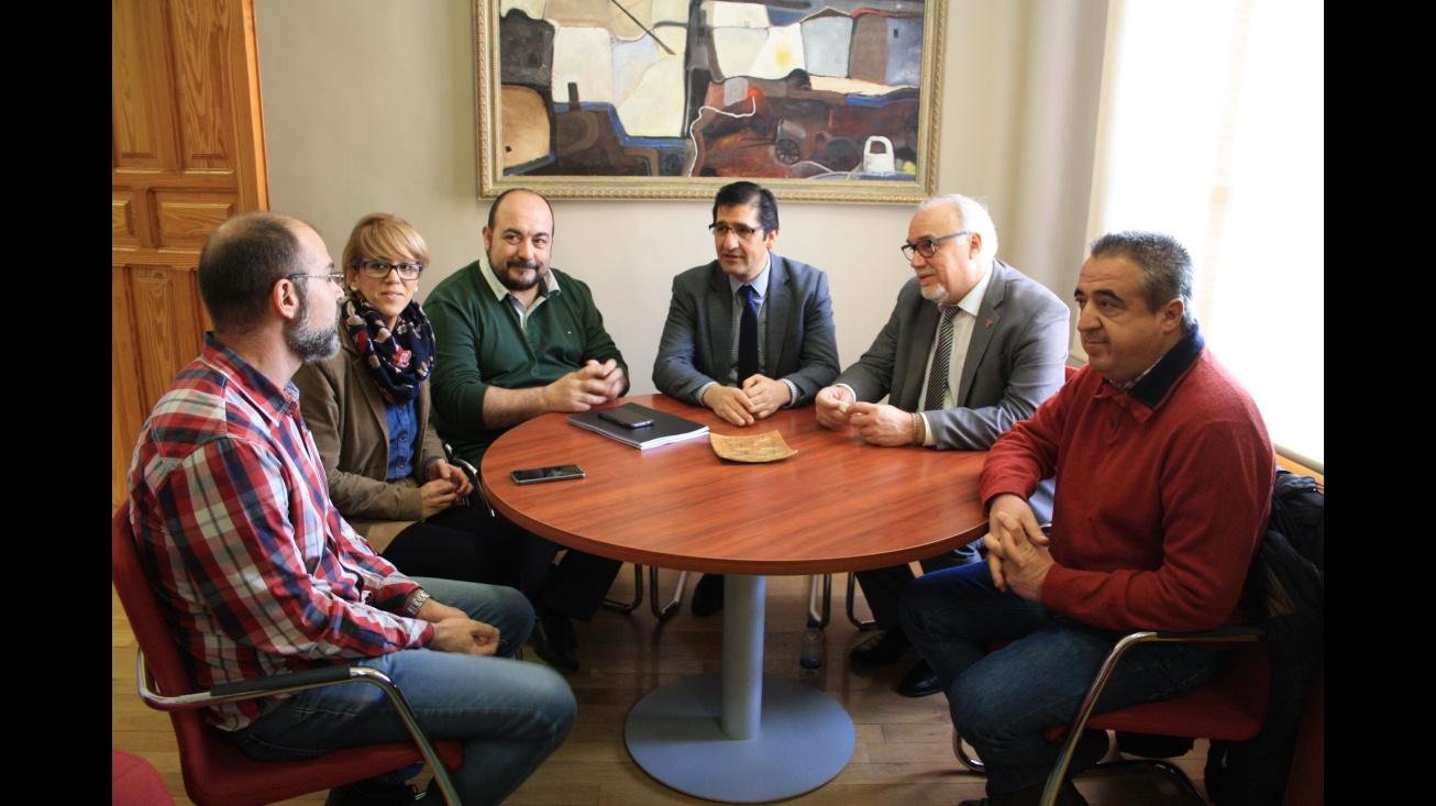 Reunión entre los representantes de las Administraciones y la AMC Julián Sánchez Maroto