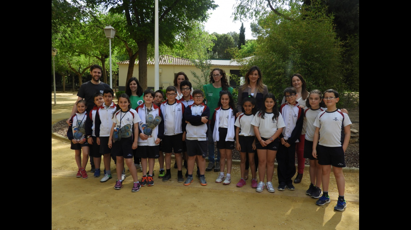 La concejala de Medio Ambiente acompaña a los participantes de 'Mi parque es diferente'