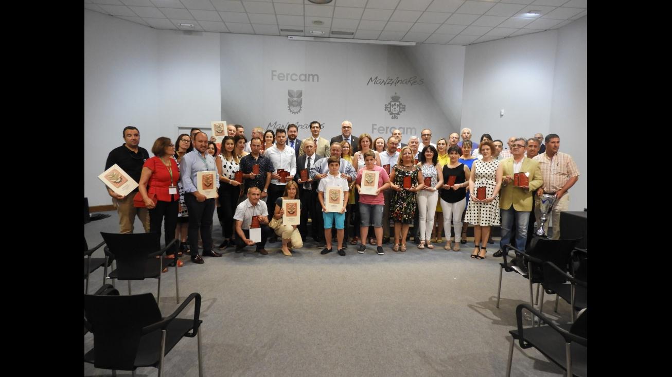 Premiados en la 58 edición de Fercam junto a las autoridades
