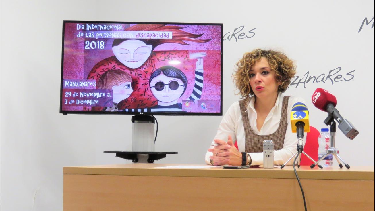 Beatriz Labián en la presentación de los actos