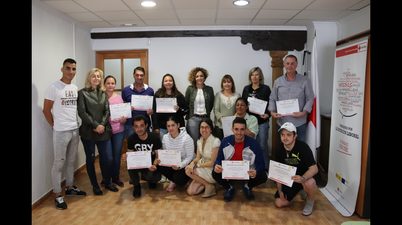 Entrega de diplomas del curso de Cruz Roja