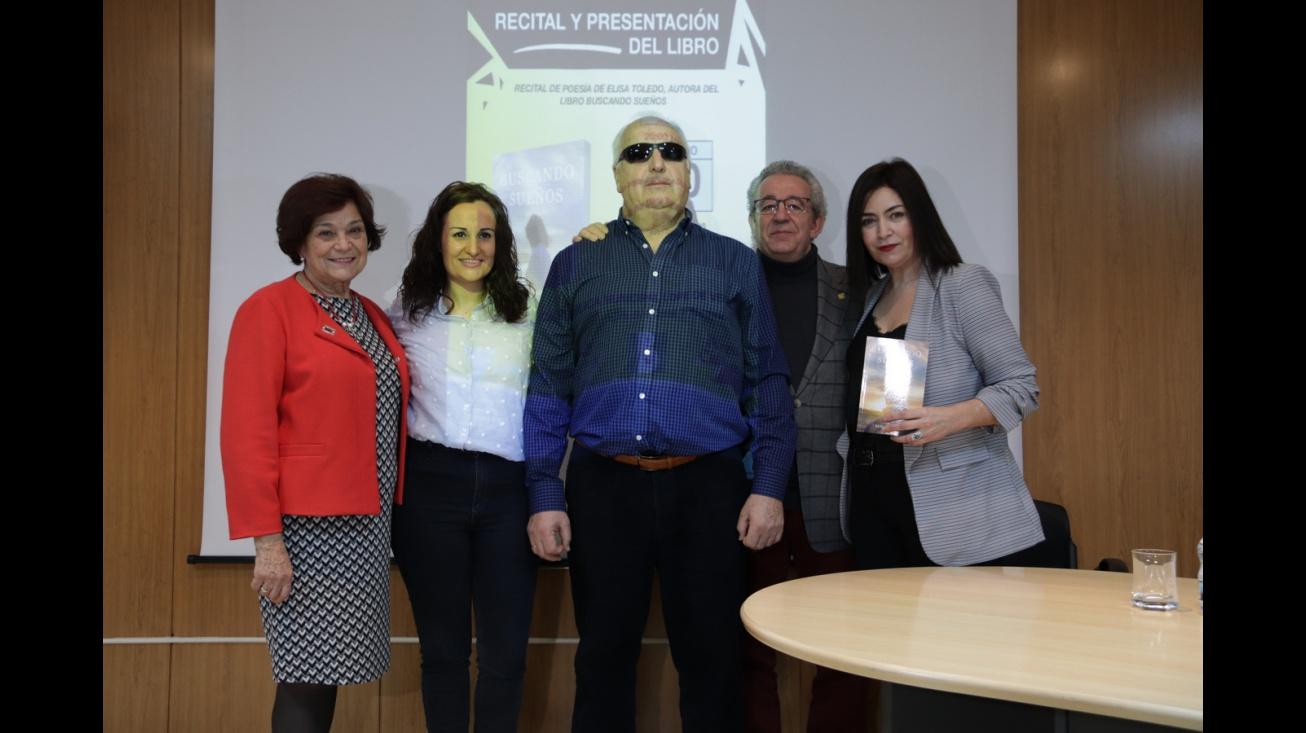 Recital de poesía y presentación del libro 'Buscando sueños' de Elisa Toledo
